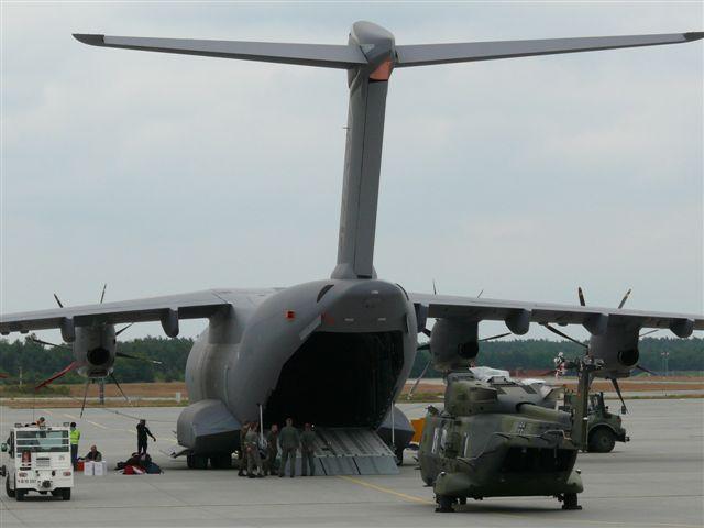 L'A400M dans tous ses états au sol et en vol A400m_12