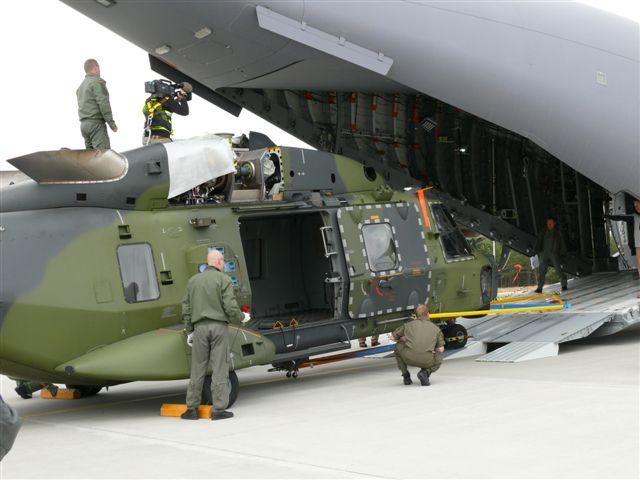 L'A400M dans tous ses états au sol et en vol A400m_13