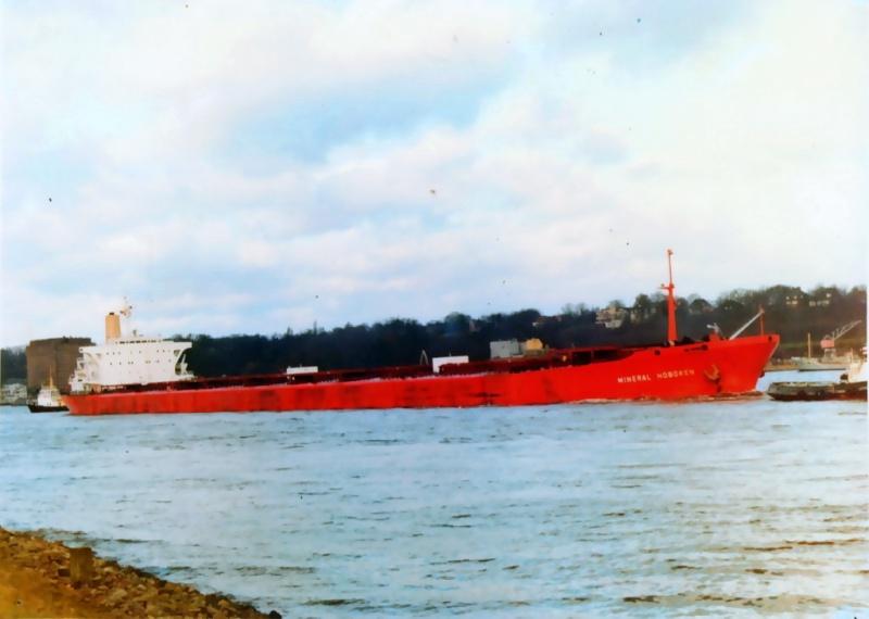 Photos des Navires sur lequel j'ai naviguer  01-74310