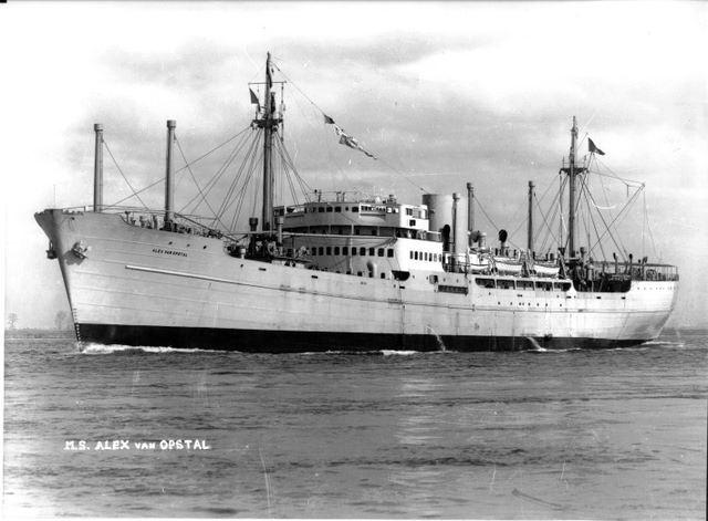 Photos de navires marchands - Page 5 1941-a10