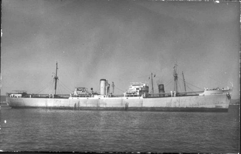 Photos de navires marchands - Page 5 1942-c10