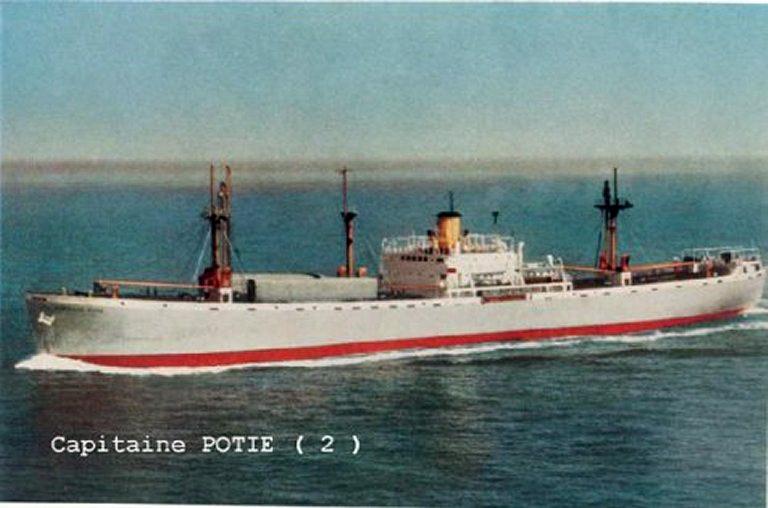 Photos de navires marchands - Page 5 1943-c11