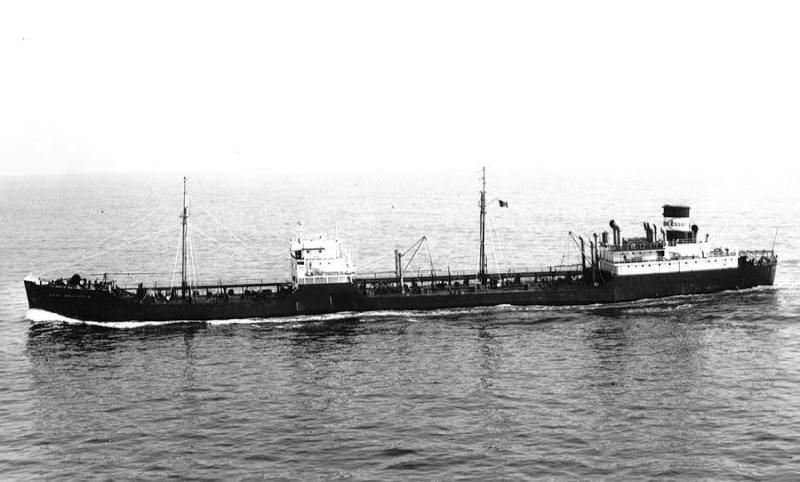 Photos de navires marchands - Page 5 1945-e10