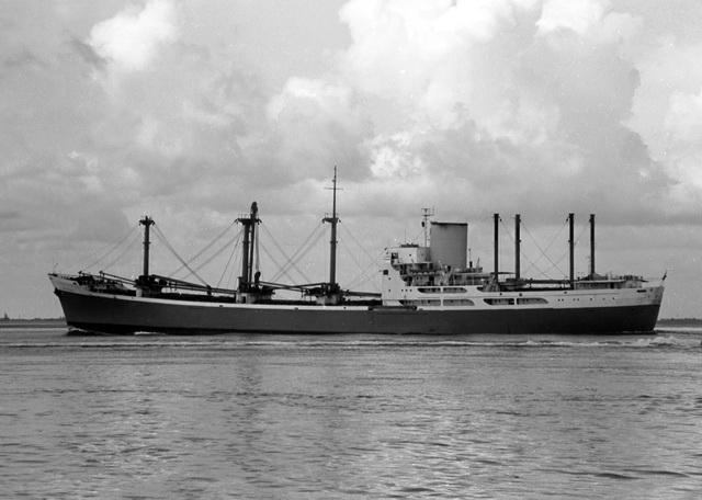 Photos de navires marchands - Page 5 1964-r10
