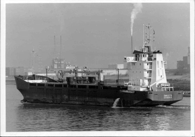 Photos de navires marchands - Page 5 1981-e10