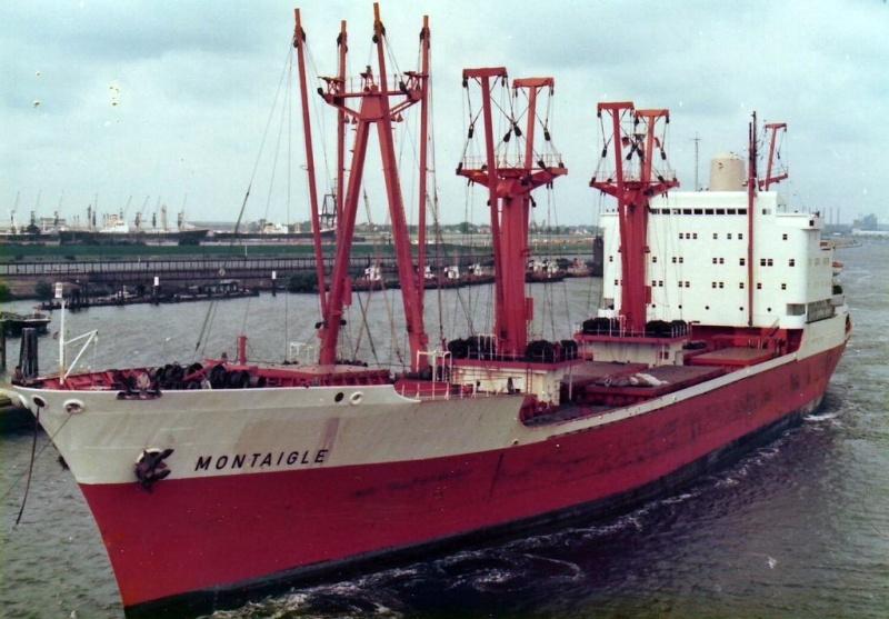 Photos de navires marchands - Page 5 Montai10