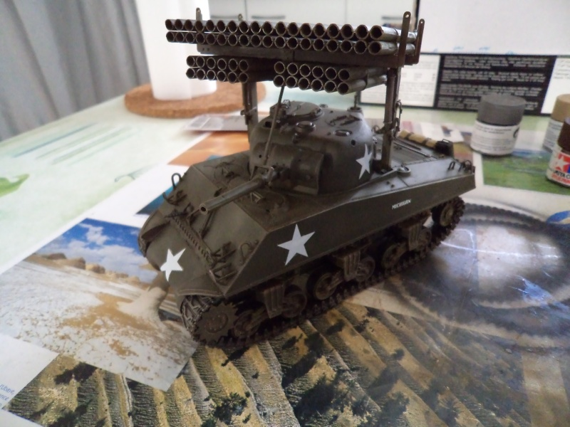 1/35 Revell M4A3 SHERMAN CALLIOPE -TERMINE- - Page 2 Dsc00713