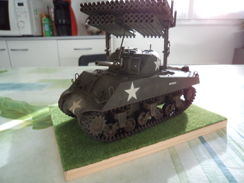 1/35 Revell M4A3 SHERMAN CALLIOPE -TERMINE- - Page 2 Dsc00714