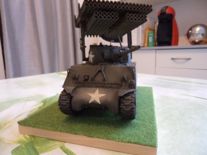 1/35 Revell M4A3 SHERMAN CALLIOPE -TERMINE- - Page 2 Dsc00715