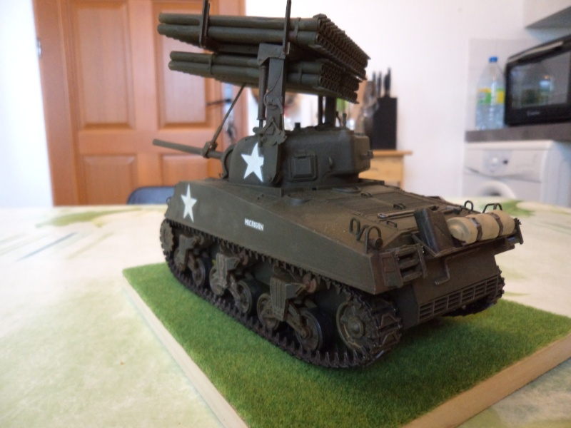 1/35 Revell M4A3 SHERMAN CALLIOPE -TERMINE- - Page 2 Dsc00717