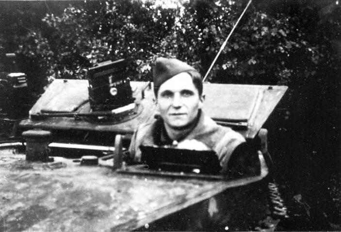 VEXIN char léger M3A3 n° 8 - 1/12° RCA / 2° peloton [420427] Louis_10