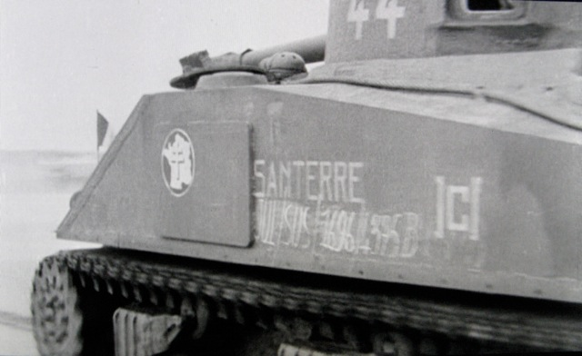 Films d'archives débarquement du 12° RCA Santer10