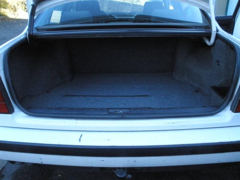 [BMW 525 tds E34] Des fils qui traînent... Pb060110