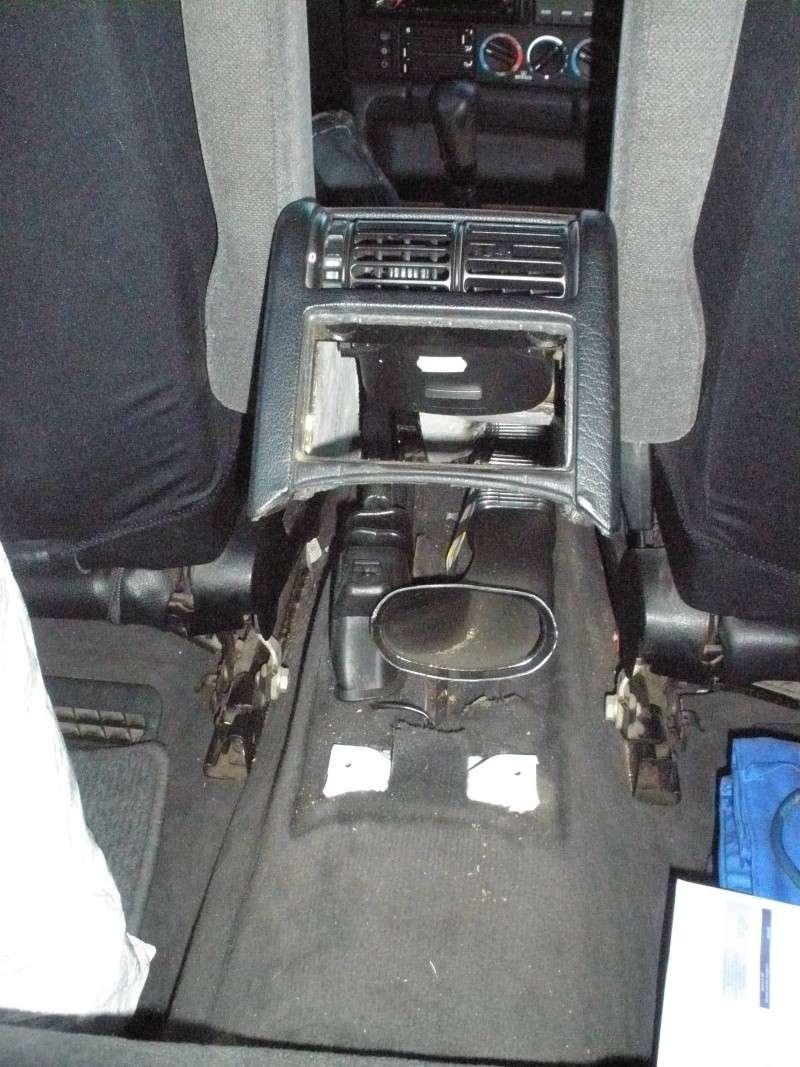 [BMW 525 tds E34] Des fils qui traînent... Pb060112