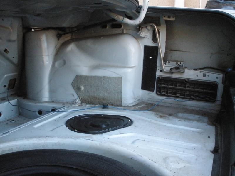 [BMW 525 tds E34] Des fils qui traînent... Pb060114