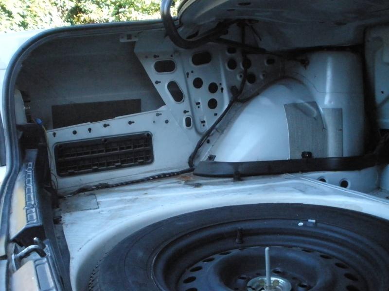 [BMW 525 tds E34] Des fils qui traînent... Pb060117