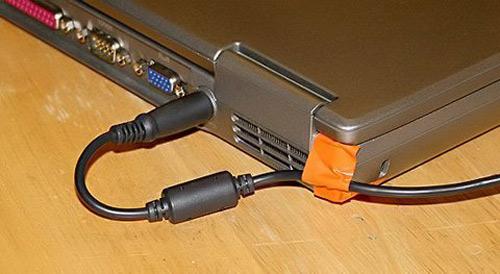 Cắm sạc laptop khi pin đã đầy có hại không? 13541810