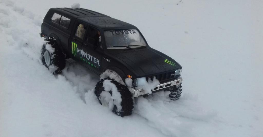 Les Toyota Hilux 2 & 4 portes RC4WD Trail Finder 2 RTR de Trankilou &Trankilette - Page 9 20190116