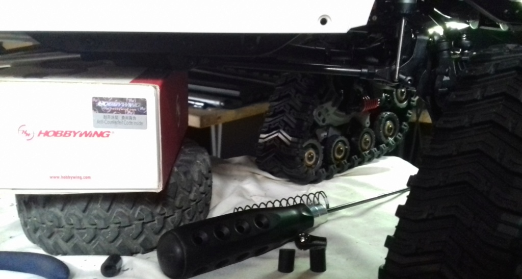 Land Rover Defender 110 SW - Spécial Véhicles Chenilles 20191853