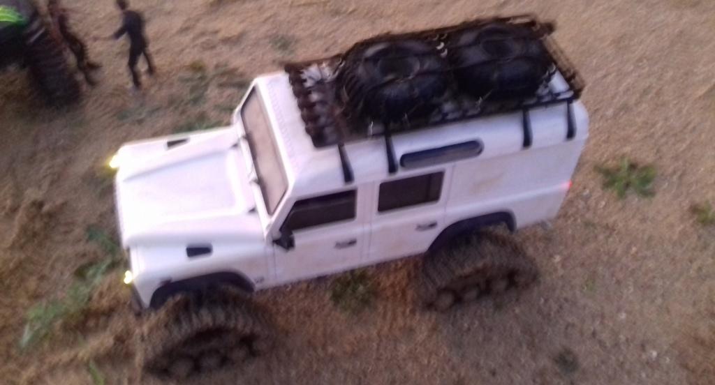 Land Rover Defender 110 SW - Spécial Véhicles Chenilles 20191891