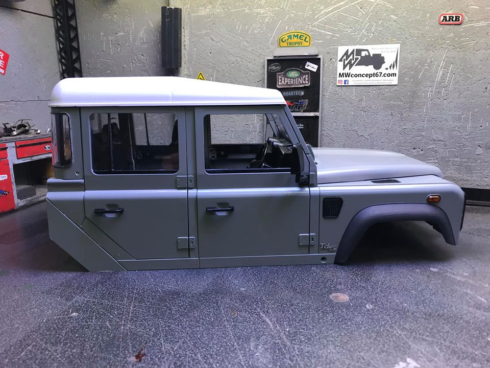 Land Rover Defender 130 - 6x6 truck Bed spécial véhicule  49696210