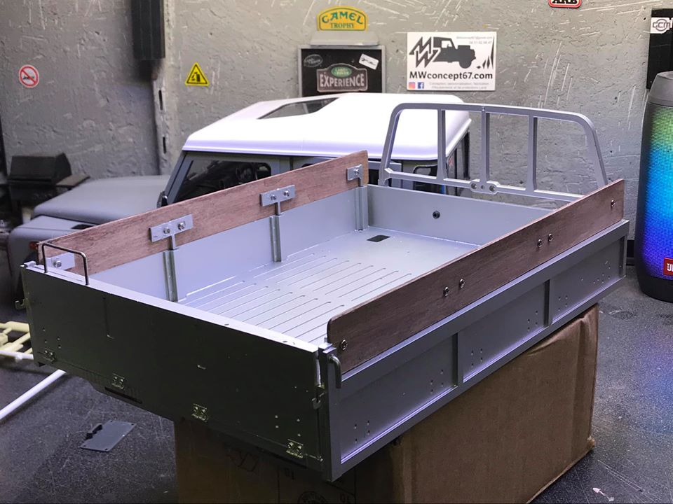 Land Rover Defender 130 - 6x6 truck Bed spécial véhicule  49822910