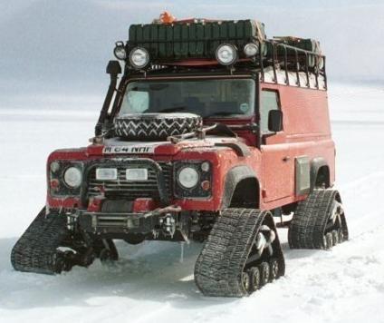 Land Rover Defender 110 SW - Spécial Véhicles Chenilles D6b70510