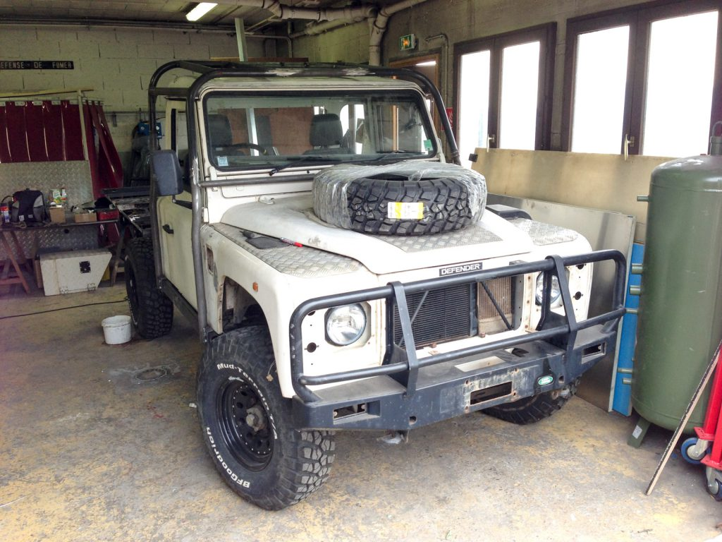 Land Rover Defender 110 Modifier Class 2 Defend13