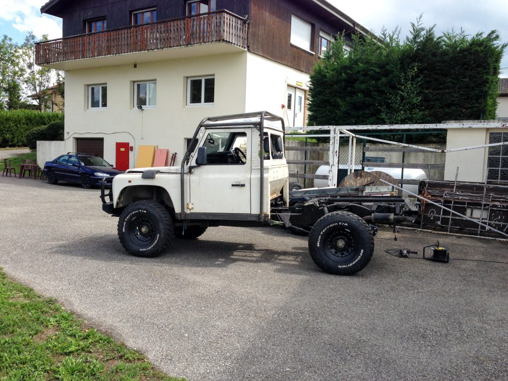 Land Rover Defender 110 Modifier Class 2 Defend14