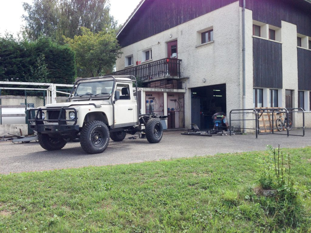 Land Rover Defender 110 Modifier Class 2 Defend15