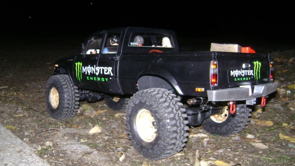 Les Toyota Hilux 2 & 4 portes RC4WD Trail Finder 2 RTR de Trankilou &Trankilette - Page 9 Dsc00027