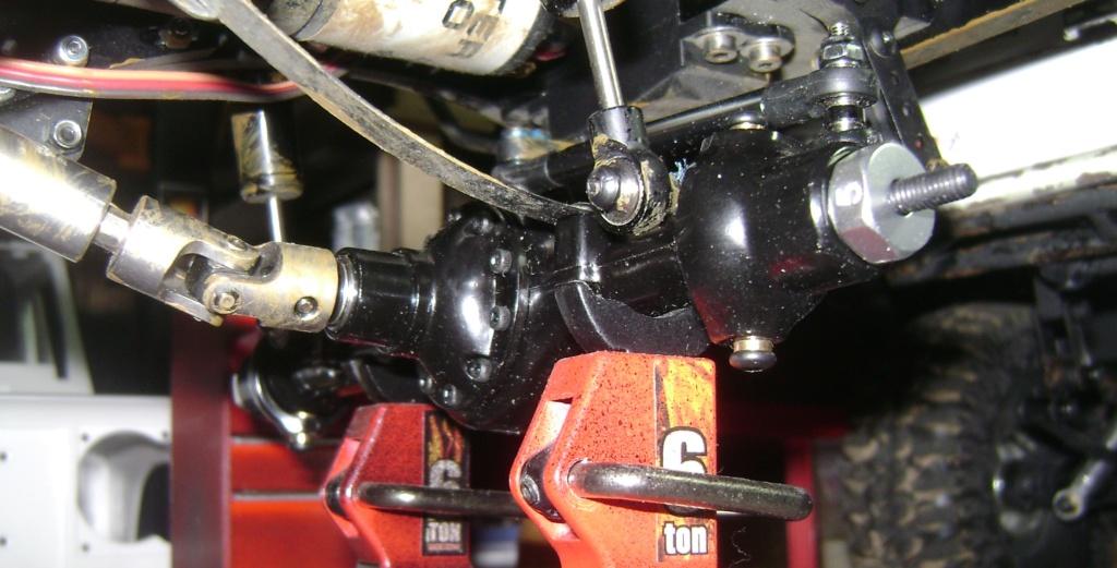 AMXROCK CRAWLER Chenilles Amewi (passé en roues) - Page 3 Dsc00311