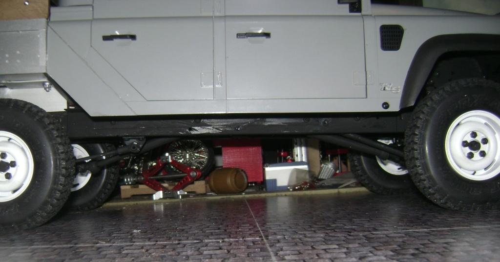 Land Rover Defender 130 - 6x6 truck Bed spécial véhicule  Dsc00875