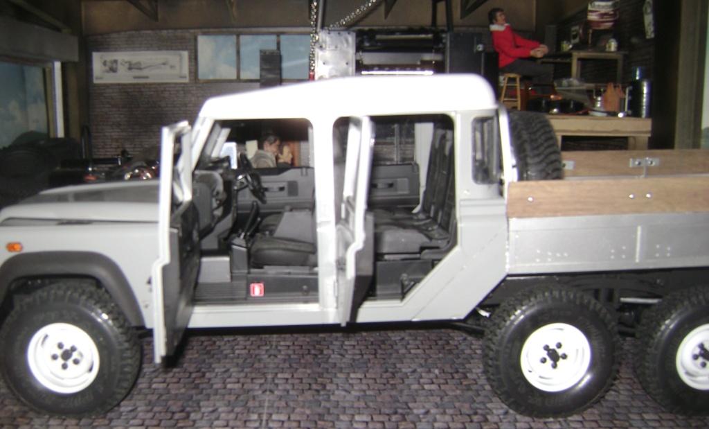 Land Rover Defender 130 - 6x6 truck Bed spécial véhicule  Dsc00893