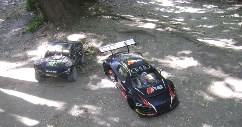 mes voitures 1/5, LOSI Desert buggy 1/5e XL-E RTR 4WD 8s, Adui R8 LMS - Page 4 Dsc08926