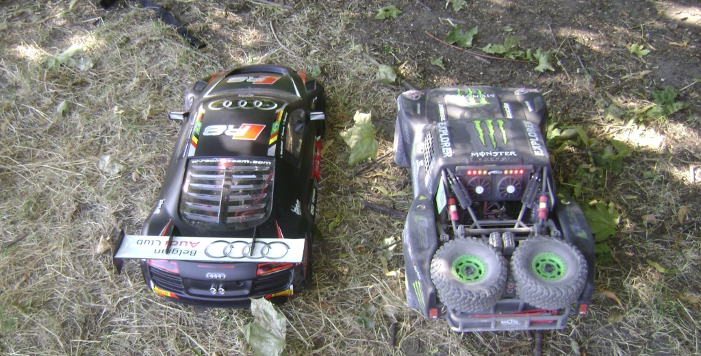 mes voitures 1/5, LOSI Desert buggy 1/5e XL-E RTR 4WD 8s, Adui R8 LMS - Page 4 Dsc08927