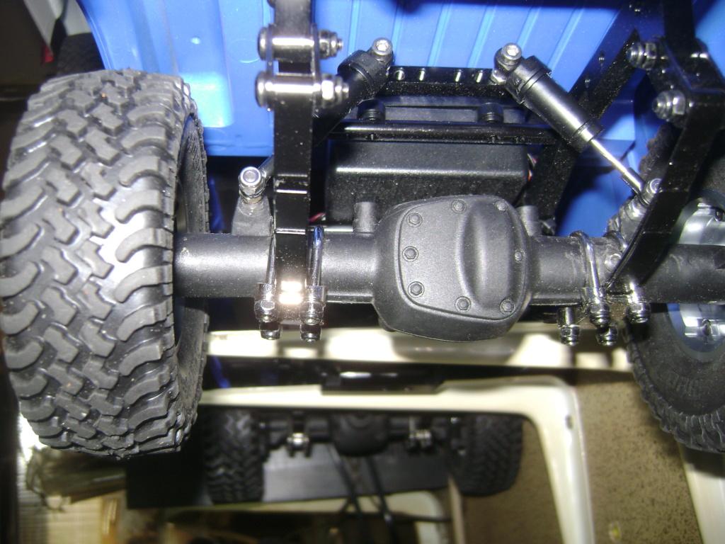 Les Toyota Hilux 2 & 4 portes RC4WD Trail Finder 2 RTR de Trankilou &Trankilette - Page 4 Dsc09464