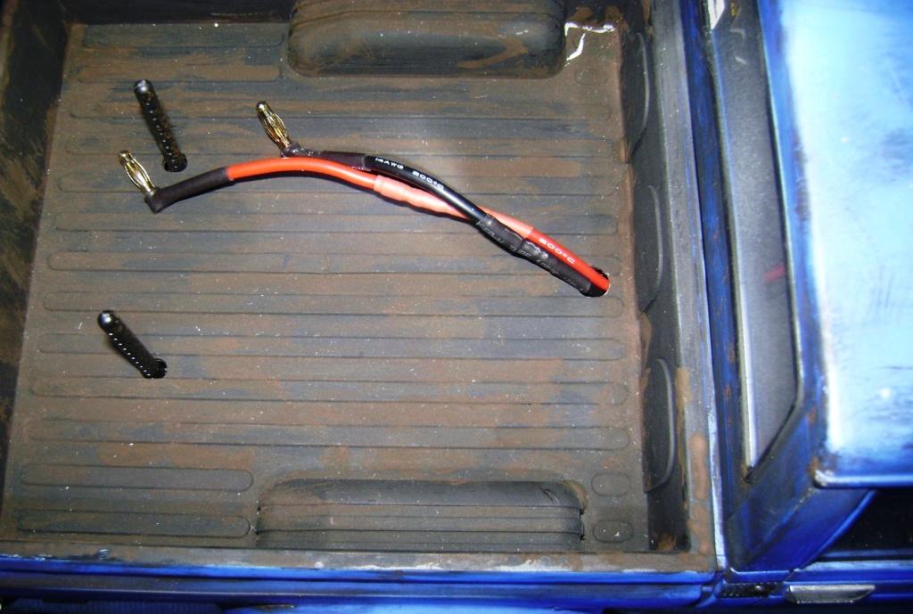 Les Toyota Hilux 2 & 4 portes RC4WD Trail Finder 2 RTR de Trankilou &Trankilette - Page 5 Dsc09508
