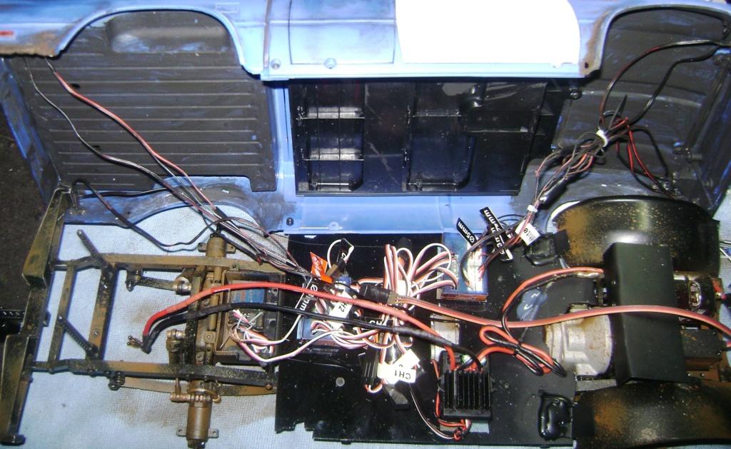 Les Toyota Hilux 2 & 4 portes RC4WD Trail Finder 2 RTR de Trankilou &Trankilette - Page 5 Dsc09509