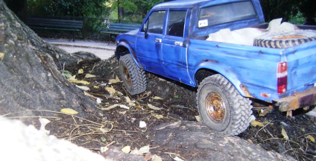 Les Toyota Hilux 2 & 4 portes RC4WD Trail Finder 2 RTR de Trankilou &Trankilette - Page 6 Dsc09648