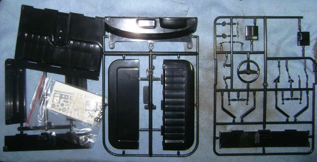 Les Toyota Hilux 2 & 4 portes RC4WD Trail Finder 2 RTR de Trankilou &Trankilette - Page 6 Dsc09658