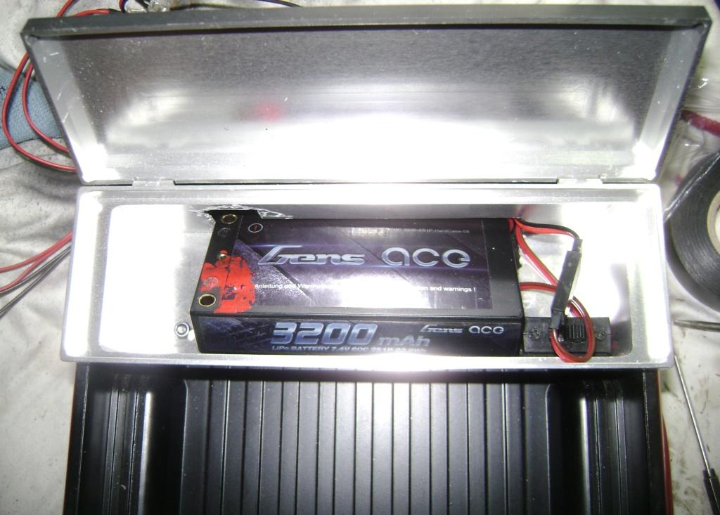 Les Toyota Hilux 2 & 4 portes RC4WD Trail Finder 2 RTR de Trankilou &Trankilette - Page 7 Dsc09703
