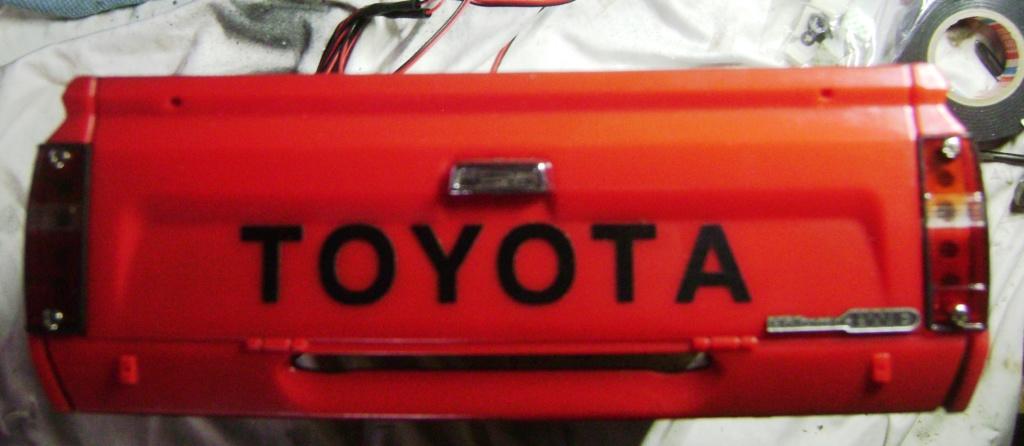 Les Toyota Hilux 2 & 4 portes RC4WD Trail Finder 2 RTR de Trankilou &Trankilette - Page 7 Dsc09707
