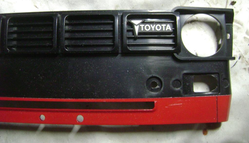 Les Toyota Hilux 2 & 4 portes RC4WD Trail Finder 2 RTR de Trankilou &Trankilette - Page 7 Dsc09709