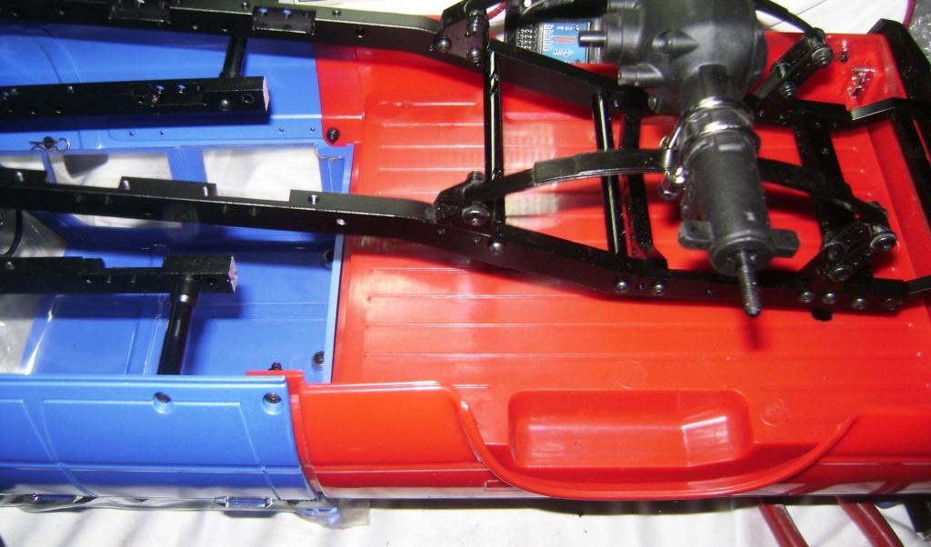 Les Toyota Hilux 2 & 4 portes RC4WD Trail Finder 2 RTR de Trankilou &Trankilette - Page 7 Dsc09890