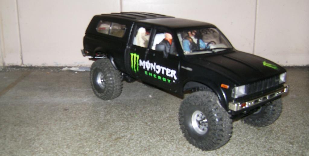 Les Toyota Hilux 2 & 4 portes RC4WD Trail Finder 2 RTR de Trankilou &Trankilette - Page 9 Dsc09952