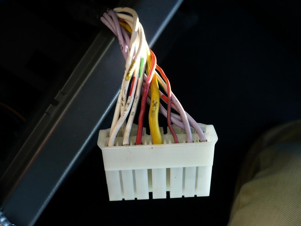 [REPORTAGE PHOTOS] Démontage Chaine Hi-Fi phase 2 Connec10
