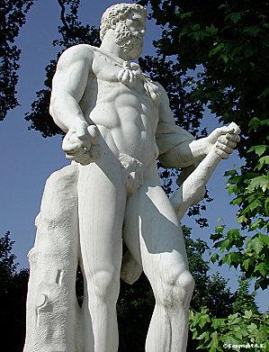 Théophile Gautier voit des statues Hercul10