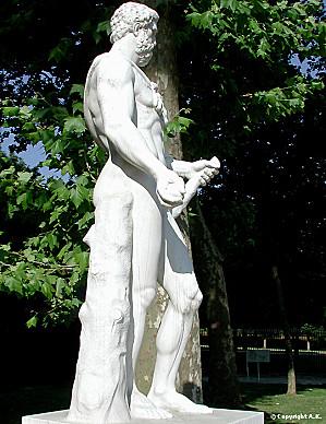 Théophile Gautier voit des statues Hercul11