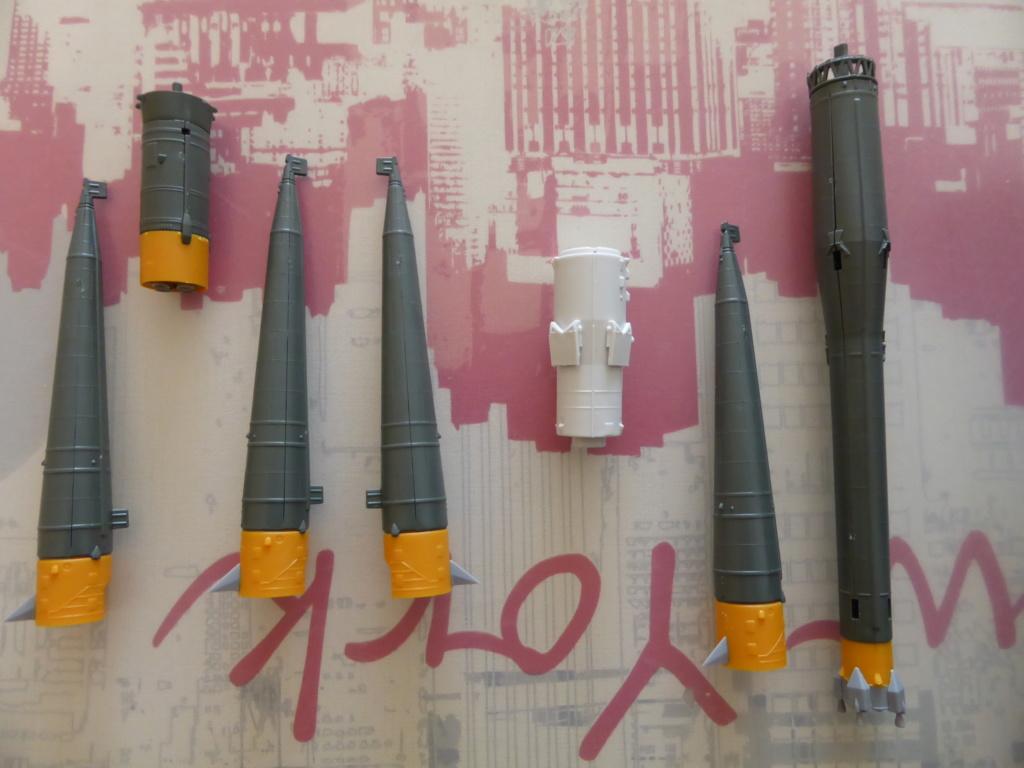 fusée Soyouz et transporteur spatial  P1020322